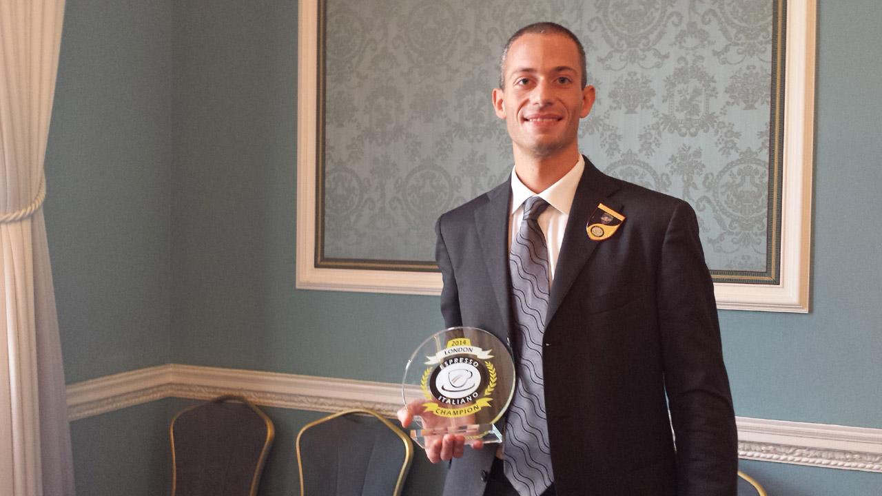 Campionato baristi: Filippo Mezzaro vince la finalissima di Londra e si laurea miglior barista italiano del 2014.